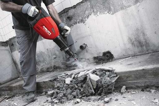 как сломать бетонную стену