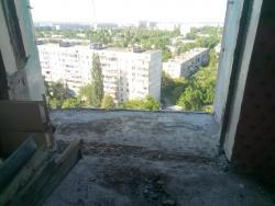 rezka-balkonnyh-plit-francuzskij-balkon