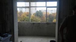 rezka-sten-uvelichenie-balkona-harkov
