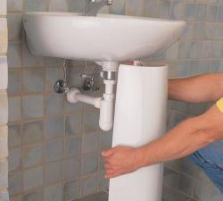 2-ustanovka-pedestala-rakovinyi-701x630