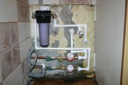 Монтаж-фильтров-для-воды-в-квартире